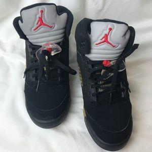 Air Jordan Retro 4 Black Red